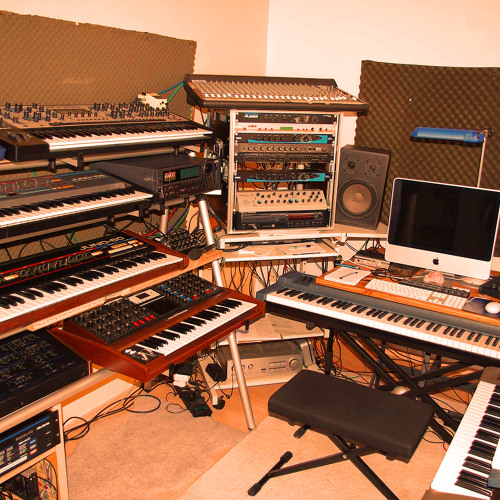 Analog Synth Bedroom's avatar