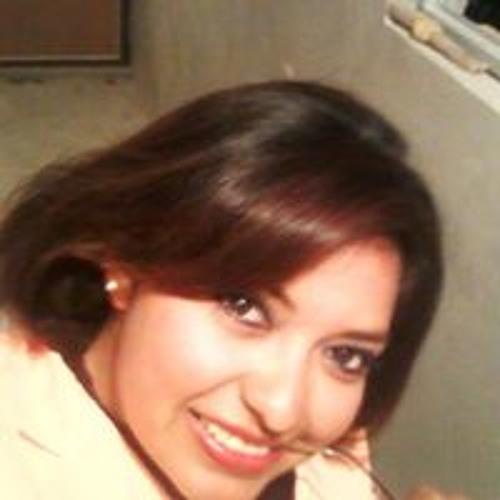 Angie Chm's avatar