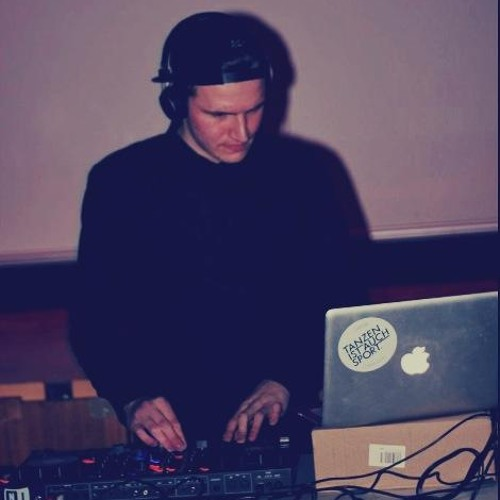 Nils Hum's avatar