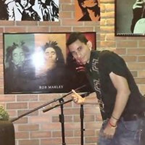 Miguel Fernando's avatar