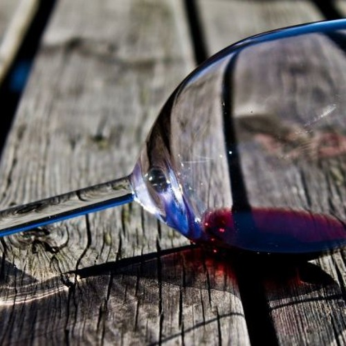 Love in a Wineglass's avatar