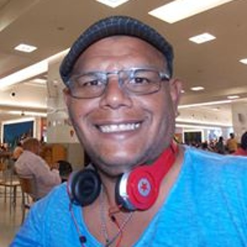Charles Campos's avatar