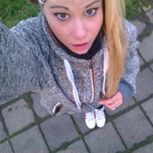 Anička Veprentsova's avatar
