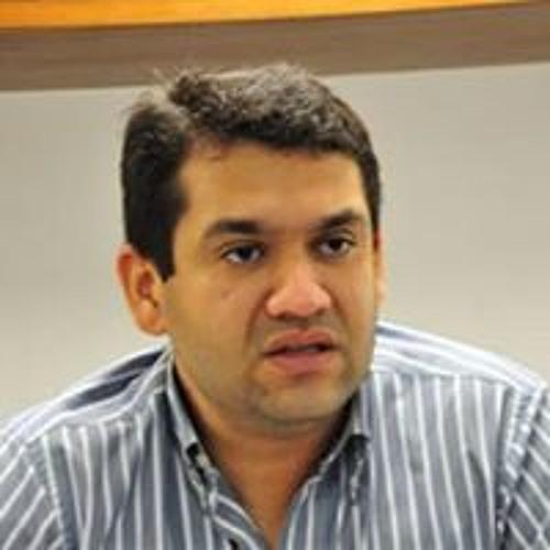 helderdamasio's avatar