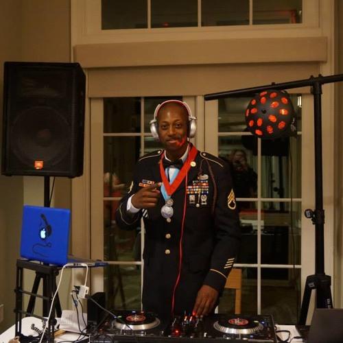 DJ Wani Wizzle's avatar