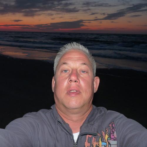 Mike Chlodek's avatar