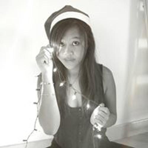 Coralie Lo Hive's avatar