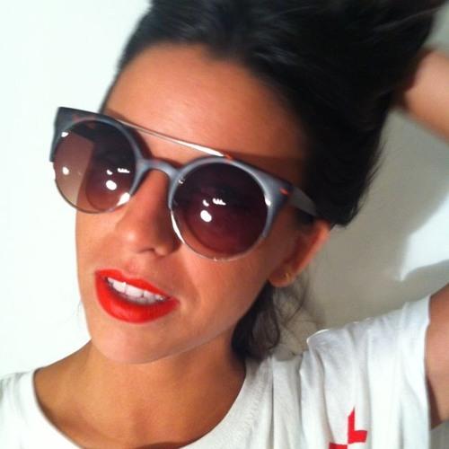 Paula Rezende 2's avatar