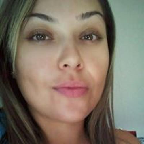 Monica Garza's avatar