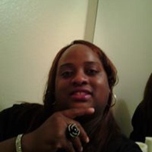 Estelle Hatton's avatar