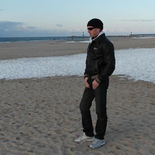 Rene'Heco Vo's avatar