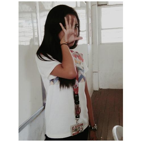 Anne Marielle :)'s avatar