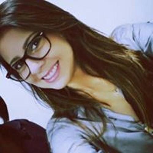 Kamila Tavares's avatar