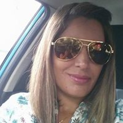 Lia Melo's avatar
