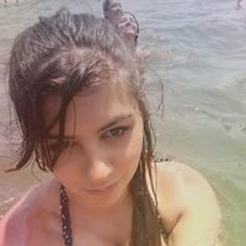 Bella Greco's avatar