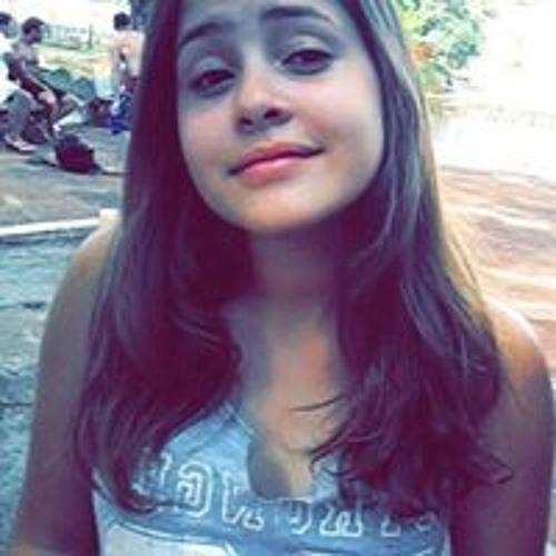 Yasmin Estevam's avatar