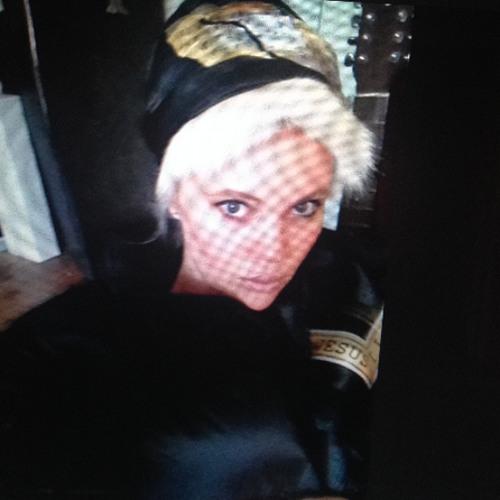 Lindsay Jones's avatar