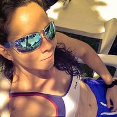 Fabiana Brandão's avatar