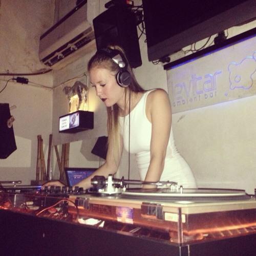 Michelle Riviere Caminals's avatar