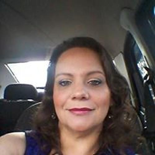 Flávia Moia's avatar