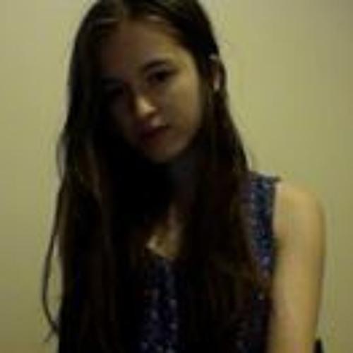 Chloe Webb's avatar