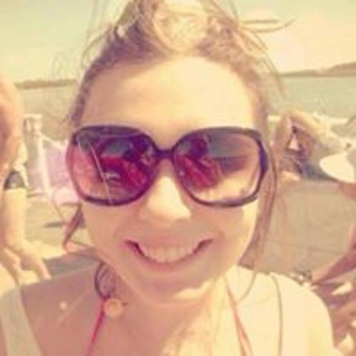 Camila Larangeira's avatar