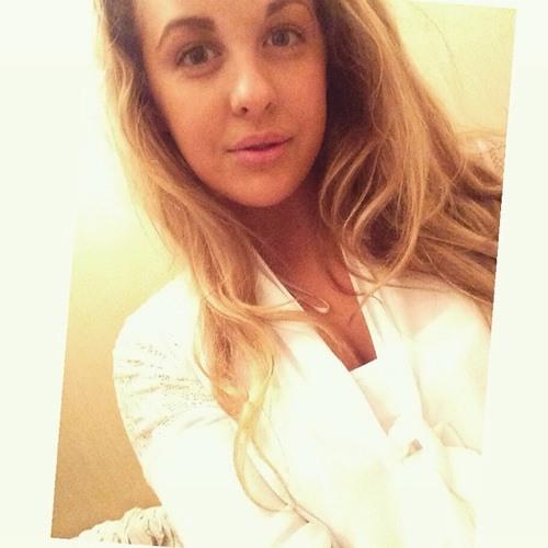 lucylomas14's avatar