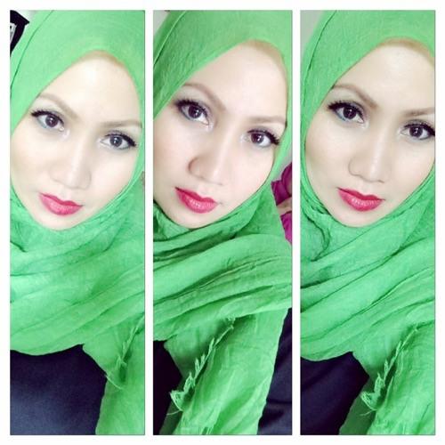 Lina Mutia's avatar