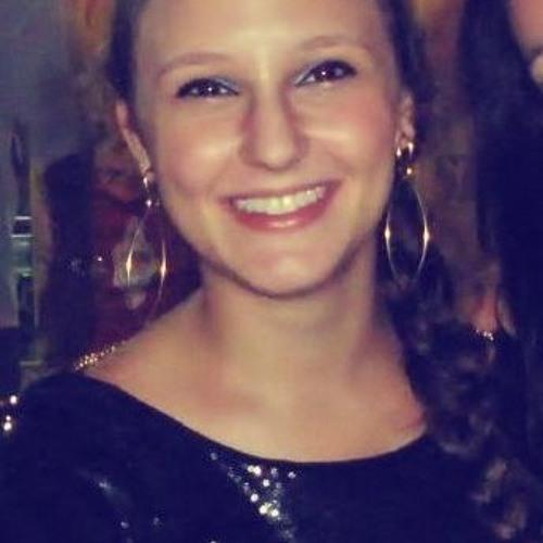 Angelica Monteiro's avatar