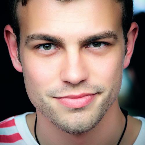 Iulian @RoClubHits's avatar