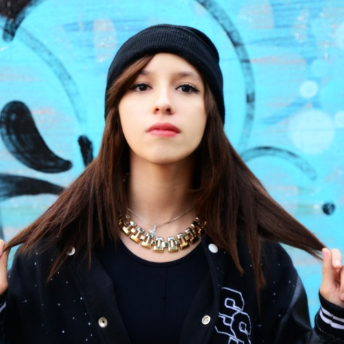 Daniela FV's avatar