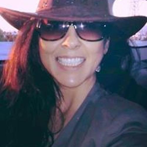 Laura Brambila's avatar