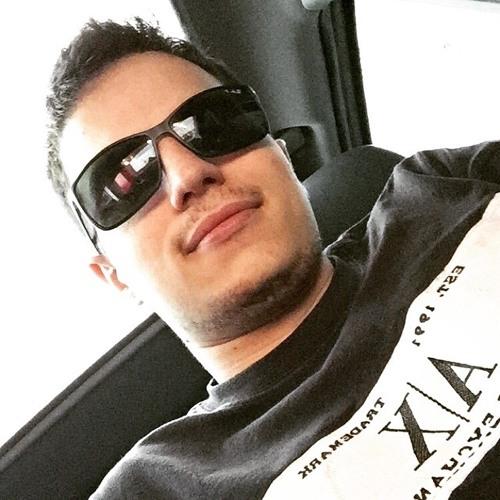 LucasAmaral's avatar