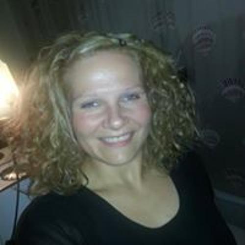 Claudia Nest's avatar