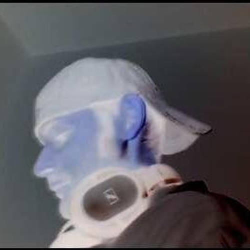 Mav West's avatar