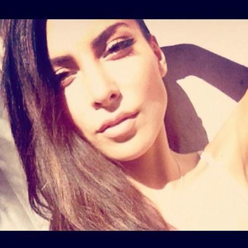 Maria Paz's avatar