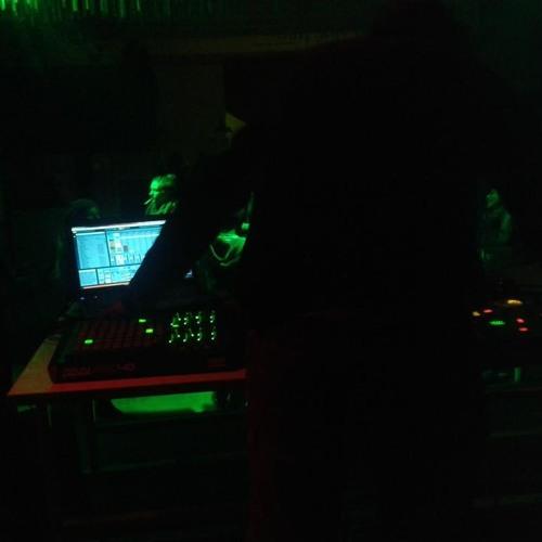MAX Analog Live Producer's avatar