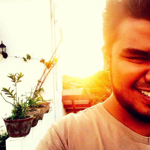 Adam Zubair's avatar