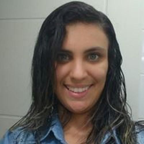 Diane Oliveira's avatar