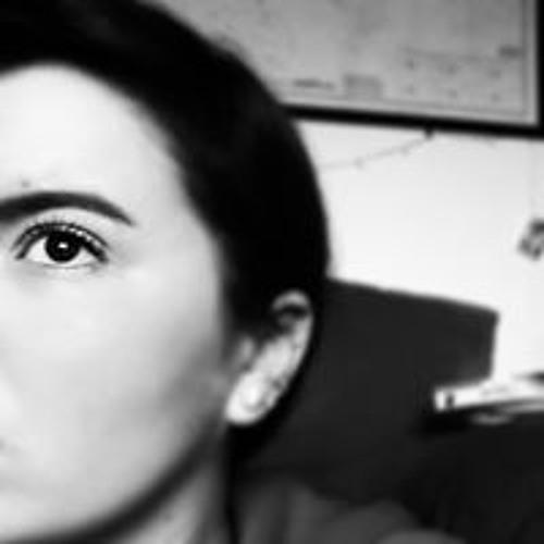 Hana Wood's avatar