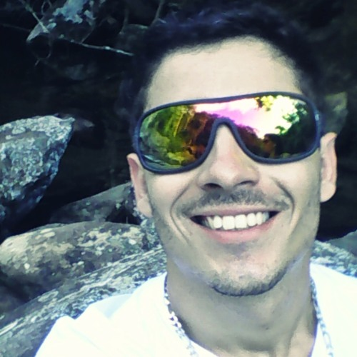 Dennis Cordeiiro's avatar