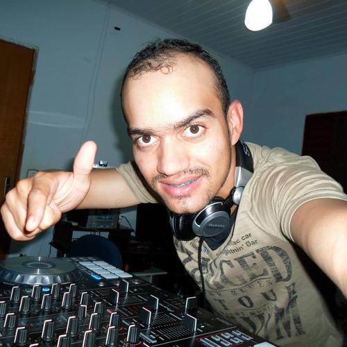 Jose Bernardo's avatar