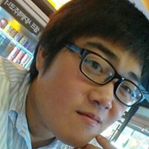 Kun Hee Park's avatar