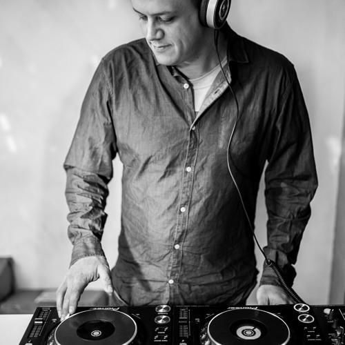 DJ Adamo's avatar