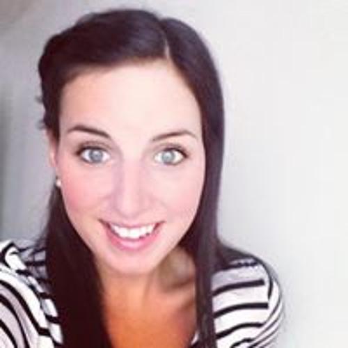 Alexandra Paré's avatar