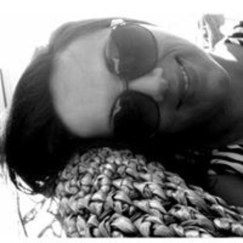 Adriana Philp's avatar