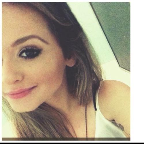 Daniela Arouck's avatar