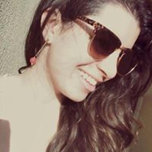 Emily Aguiar Pereira's avatar