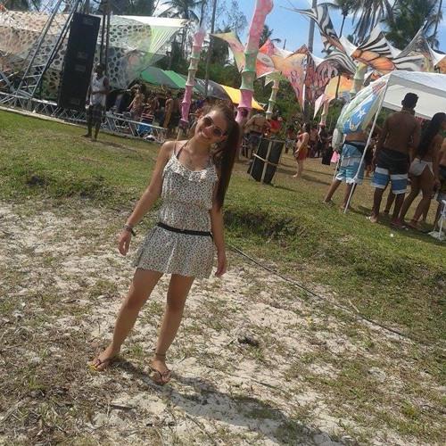 Nathália Andrade's avatar