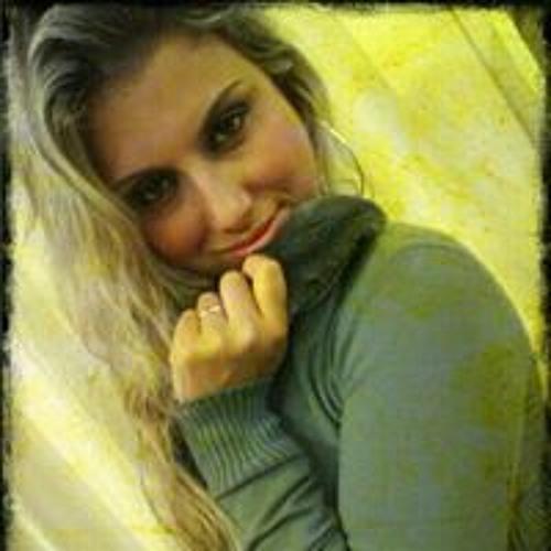 Daniela Ramos Teixeira's avatar